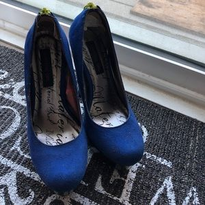 Size 6 Blue w/ green accent pumps